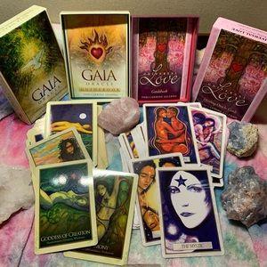 The Universal ❤️ Love & Gaia ✨ Oracle Deck Set
